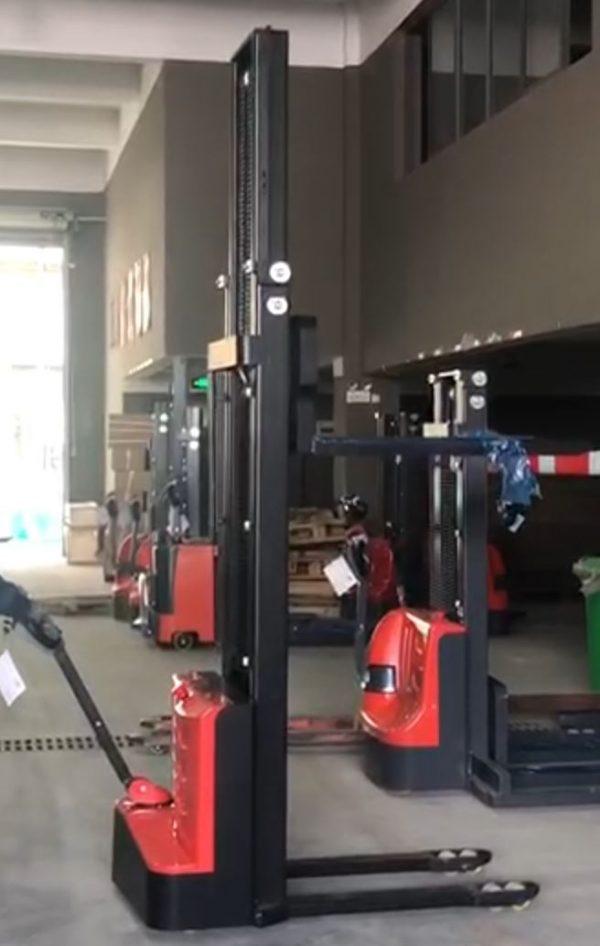 Liza-electrica-7SMITH-1500kg-350-cm-1500kg